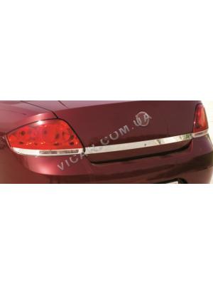 Накладка нижней кромки крышки багажника fiat linea (2006-12)