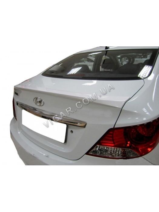 Накладка на крышку багажника Hyundai Accent (2011...)